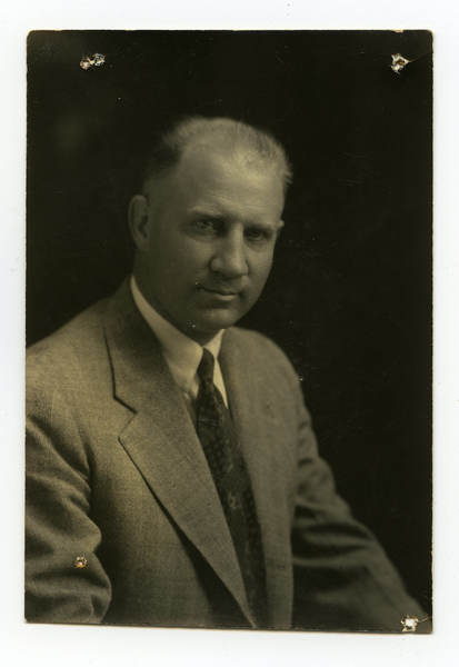 J.R. Hunnicutt, bust